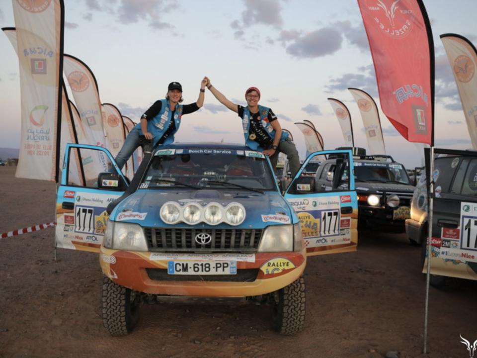 Rallye des Gazelles cap medina - team à l'arrivée